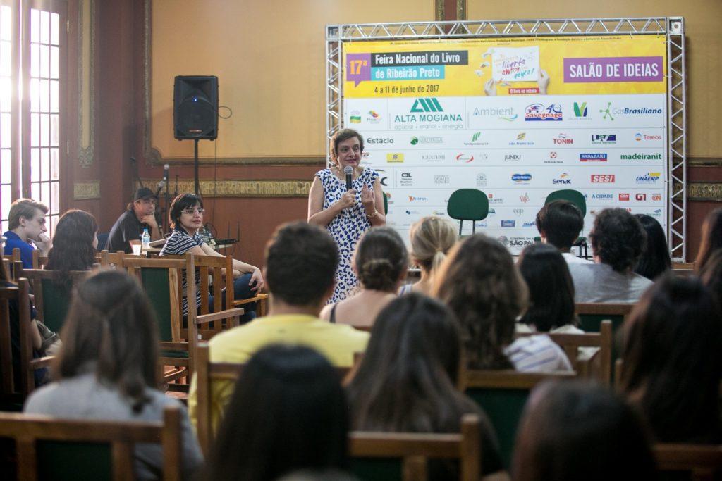 Leny Kyrillos palestra para os alunos da UNAERP. Créditos: Sté Frateschi
